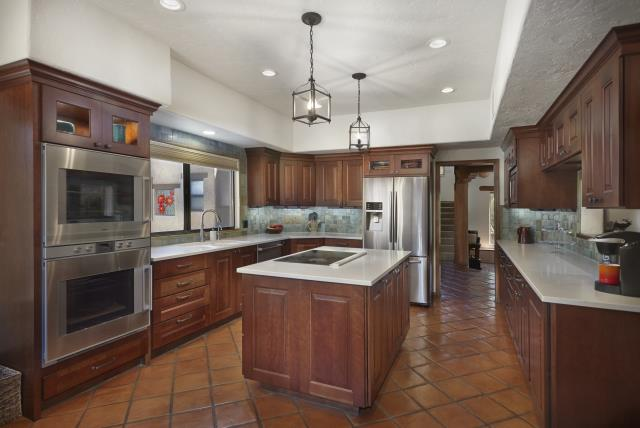 Tucson, AZ - Kitchen Remodel with glass tile backsplash