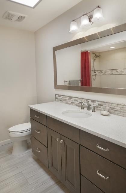 Tucson, AZ - Guest Bathroom Remodel. Whole House Remodel. Granite Countertops. Wellborn Cabinets.
