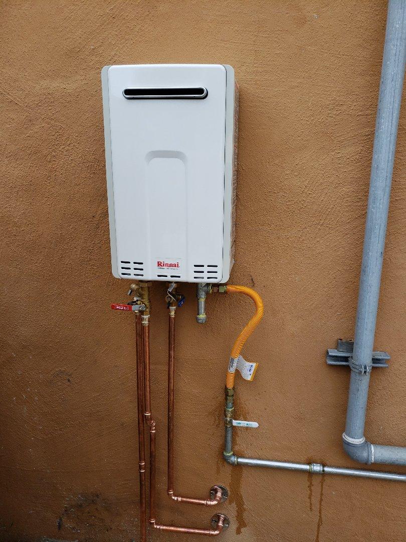Santa Cruz, CA - New outdoor Tankless water heater installation.  Great job Expert Plumbing