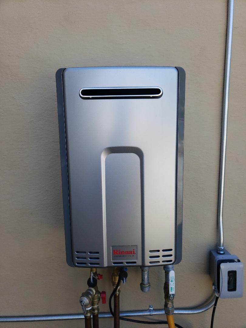 Santa Cruz, CA - New Tankless water heater done by Expert Plumbing!