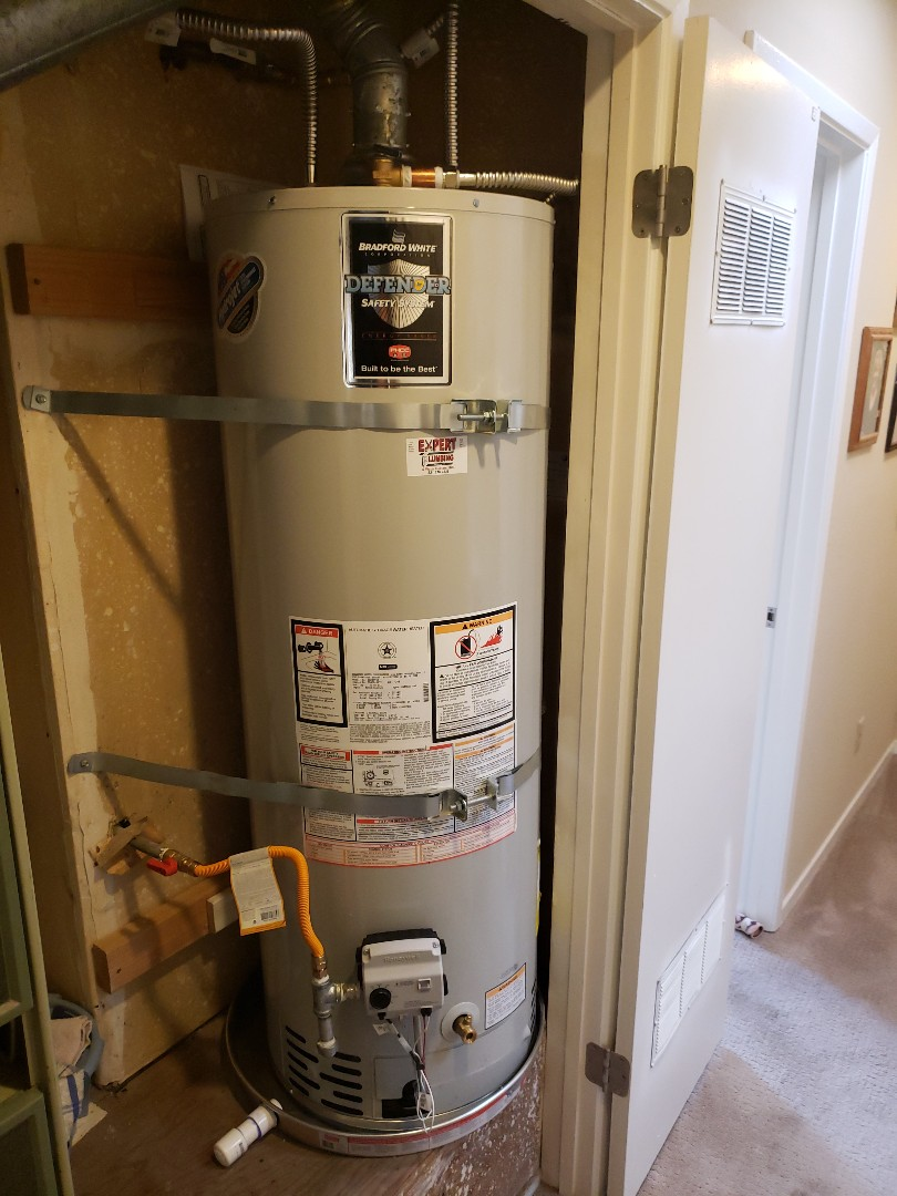 Santa Cruz, CA - New 40 gallons water heater done by Expert Plumbing.