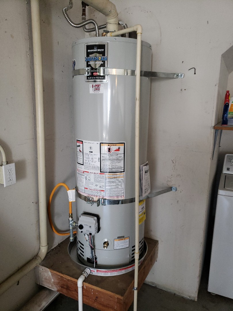 Santa Cruz, CA - New water heater installation by Expert Plumbing.  Give us a call for your water heater installation or service.  831-316-7338