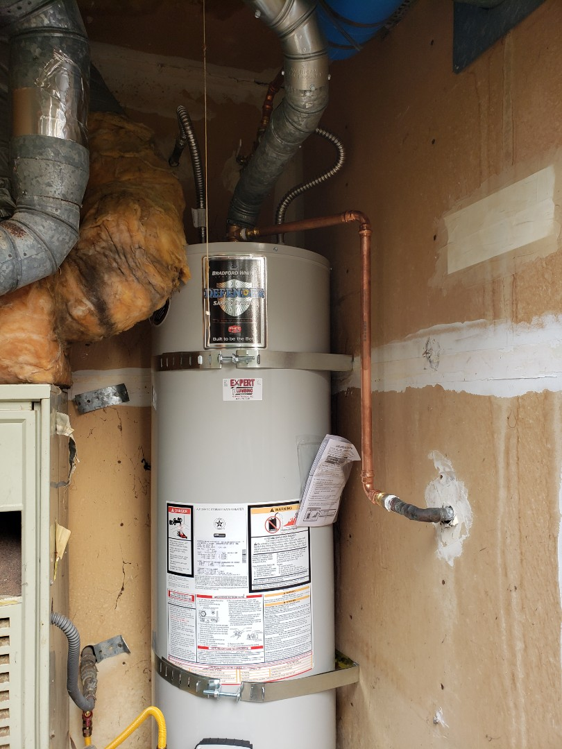 New 40 gallons water heater installation by Expert Plumbing. 831?316?7338