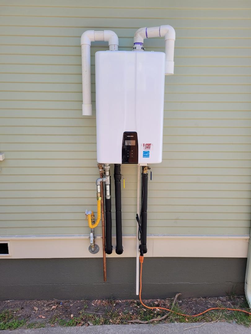 Santa Cruz, CA - New Tankless water heater installation by Expert Plumbing