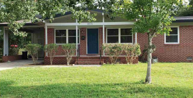 Sold this Pensacola home in the highly desirable Scenic Heights community.  This 3 Bedroom, 2 Bath home was a remodel.  I am a Pensacola Realtor specializing in being a sellers agent, buyers agent, and military relocation professional.