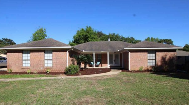 Pensacola home sold to first time home buyers.  This 3 bedroom, 2 bath home features hardwood floors throughout, an open floor plan and an inground pool.  I am a real estate agent that specializes in being a sellers agent, buyers agent, and military relocation professional.