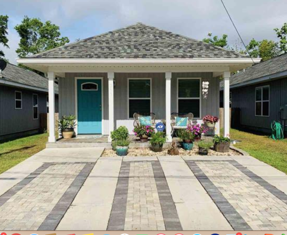Downtown Pensacola 3 bedroom, 2 bath cottage convenient to Wahoos Stadium, fine dining, downtown Pensacola activities. Features luxury vinyl plank floors, paved driveway, large kitchen island, large back yard, I am a real estate agent that specializes in being a sellers agent, buyers agent, and military relocation professional.