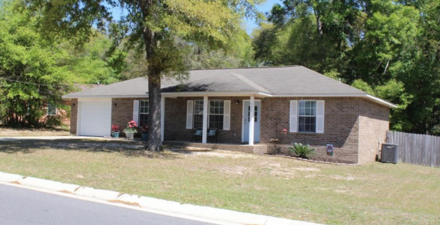 Beautiful home in Milton, FL on tranquil street.  This 3/2 renovated home is located in a wonderful school district and convenient to water activities.  I am a real estate agent in the Pensacola area specializing in being a sellers agent, buyers agent and military relocation specialist.