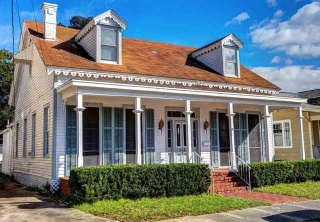 Helping my home buyer find a home in downtown Pensacola, FL.  This 3 bedroom, 3 bath home is in a highly desirable area close to shopping, culture, and many of downtown Pensacola's events.  Call me your local real estate expert.  I specialize in home selling, home buying and relocating military personnel.