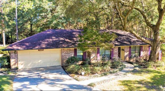 Helping buyers and sellers in the Pensacola area is my specialty.  My expertise and customer service in the local real estate market sets me apart from all other Realtors.  Call me Monica Mortara with Levin Rinke Realty for your home buying or home selling needs.  I promise you the best a realtor has to offer!