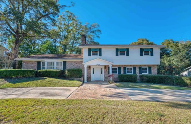 OPEN HOUSE Saturday, Feb 8th, 12-3. Come check out this newly updated 4 Bed/2.5 Bath home in North East Hill. 3935 Raintree Dr, Pensacola.  Ask me questions about the housing market.  I help home sellers and home buyers make good decisions and negotiate the best price for their home.  I specialize in all areas surrounding Pensacola, including Gulf Breeze, Navarre, Milton, Pace, Perdido and Pensacola Beach.