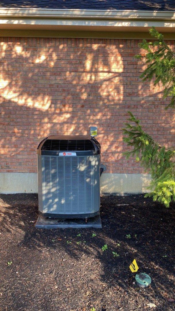Springboro, OH - Service call on Trane air conditioner
