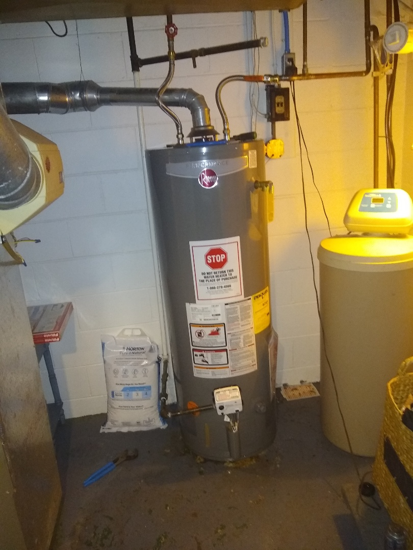Indianapolis, IN - Water heater leaking