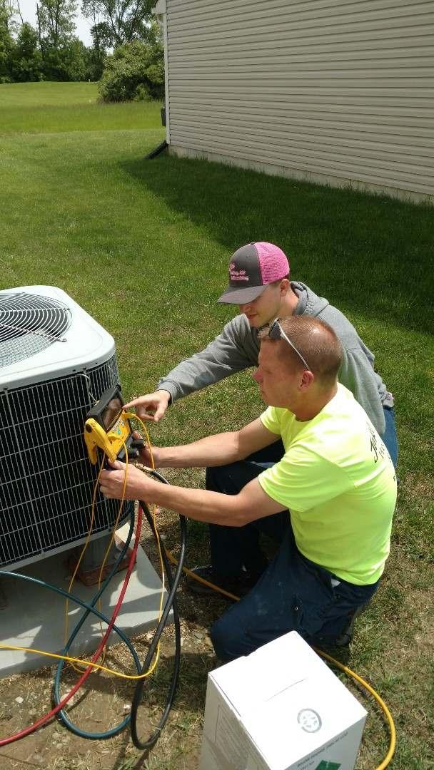 Greenfield, IN - Air conditioner not blowing cold air