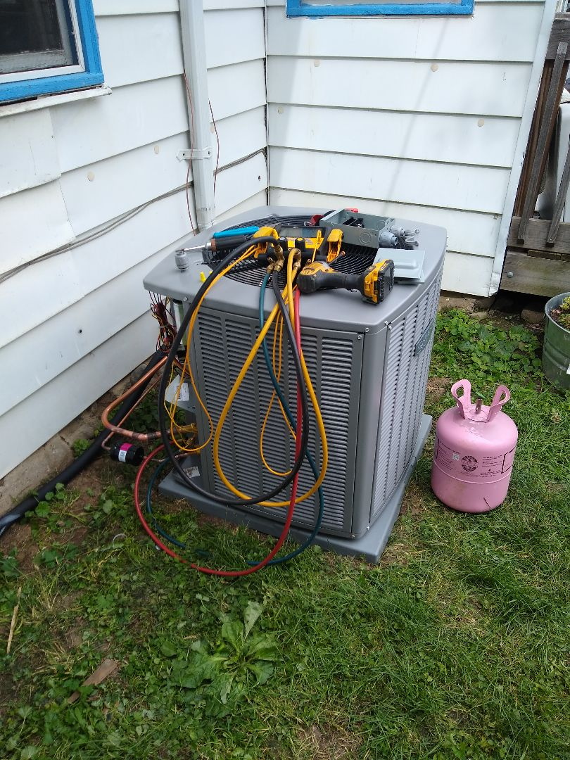 Knightstown, IN - Air Conditioner Replacement