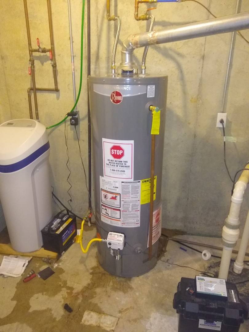 Fishers, IN - Water heater leaking