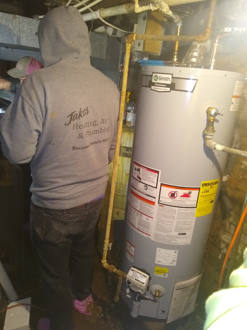 Spiceland, IN - Water heater leaking