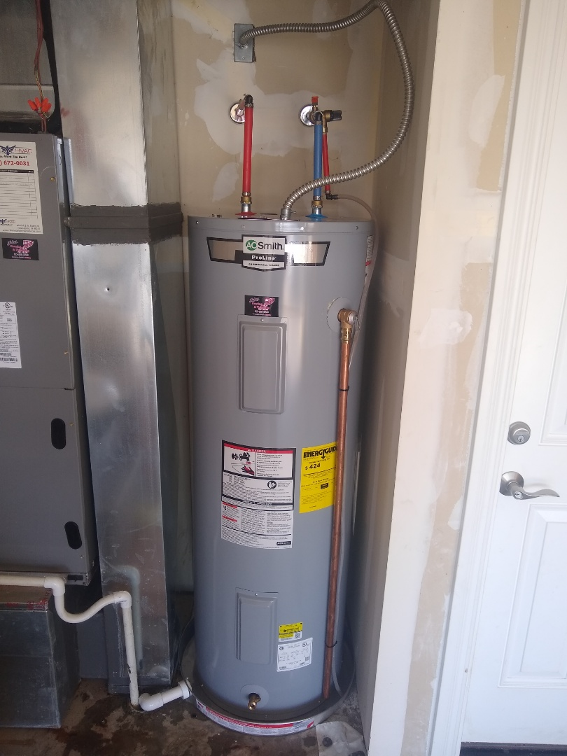 Ingalls, IN - Water heater leaking