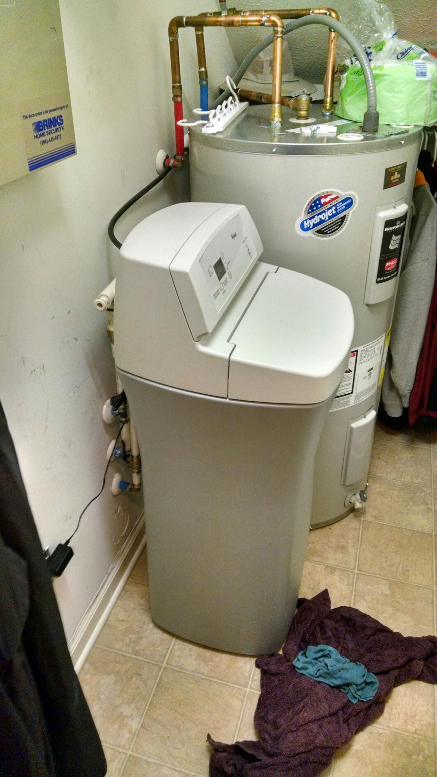 Zionsville, IN - Water softener leak