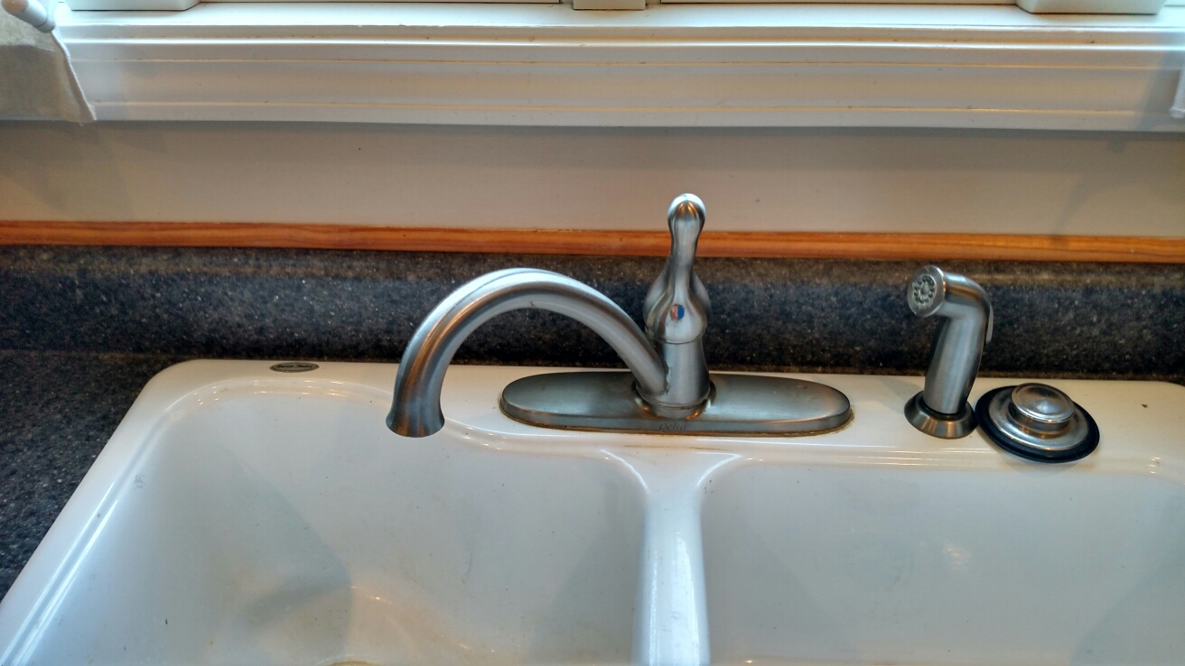 Zionsville, IN - Kitchen faucet repair