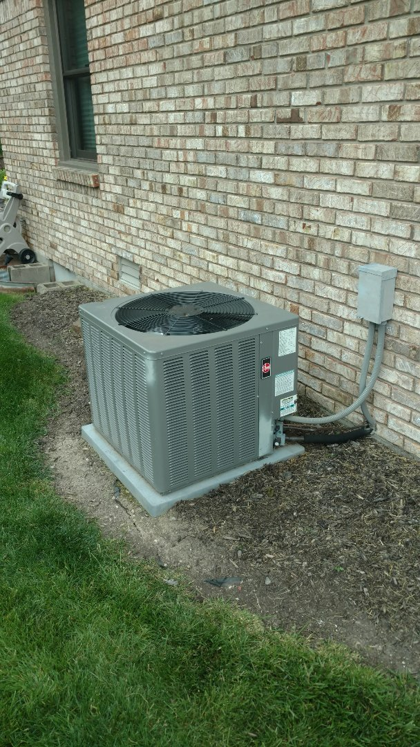 New Palestine, IN - Air conditioner repair
