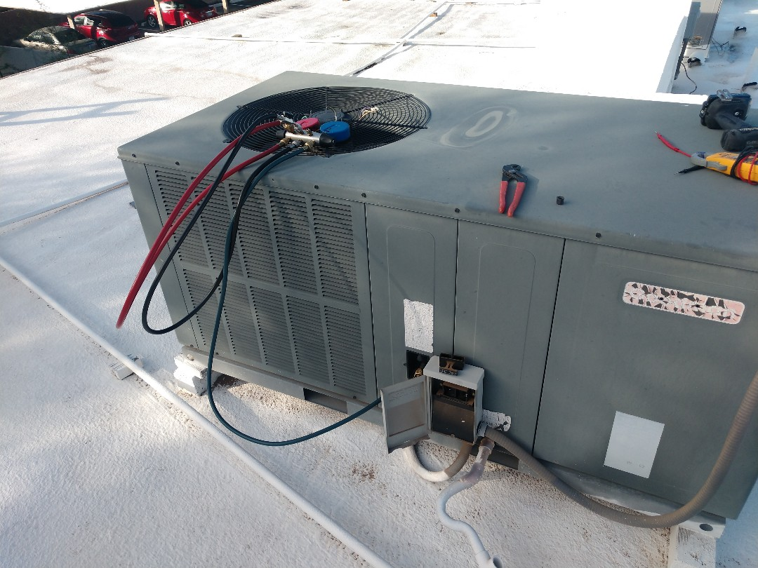 Tempe, AZ - Heating Inspection. Performed heating tune up on Goodman package heatpump