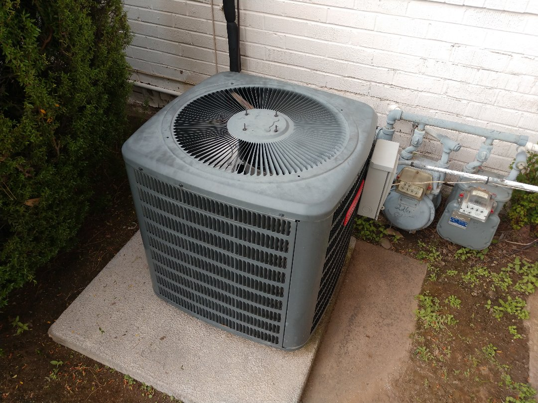 Phoenix, AZ - Air conditioning repair. Performed ac Repair on Goodman heat pump