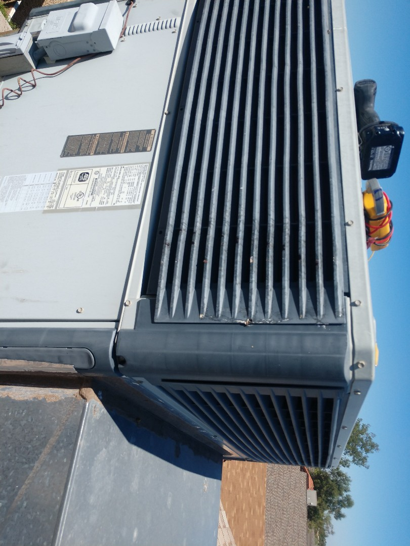 Phoenix, AZ - Air conditioning Repair. Performed ac Repair on trane package heat pump