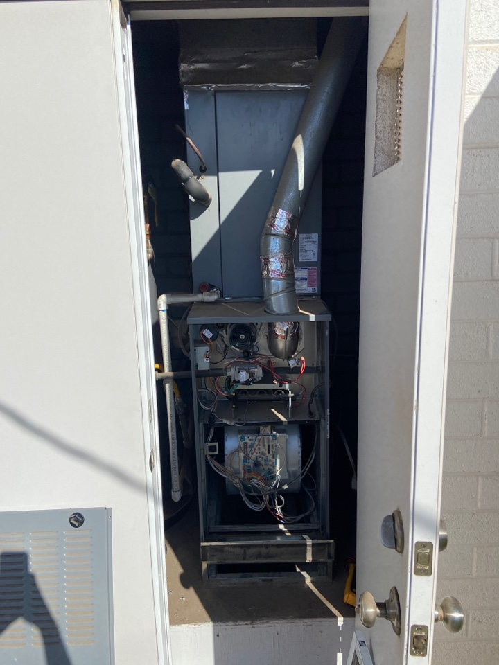 Tempe, AZ - Heating call. Heating maintenance on day and night gas furnace