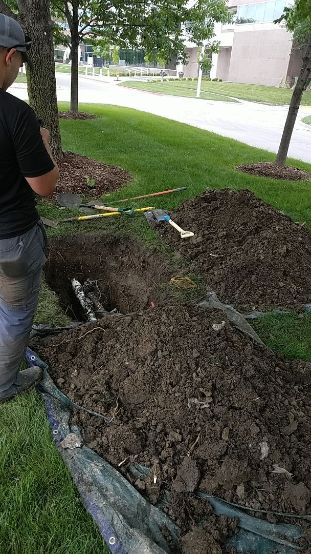 Omaha, NE - Digging up mainline leak