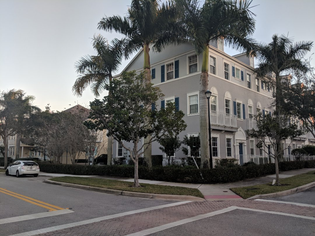 Jupiter, FL - The Captain Painter is at Jupiter Florida (Pine Gardens) for a new project !!! Very cute buildings for a professional exterior painting job.
