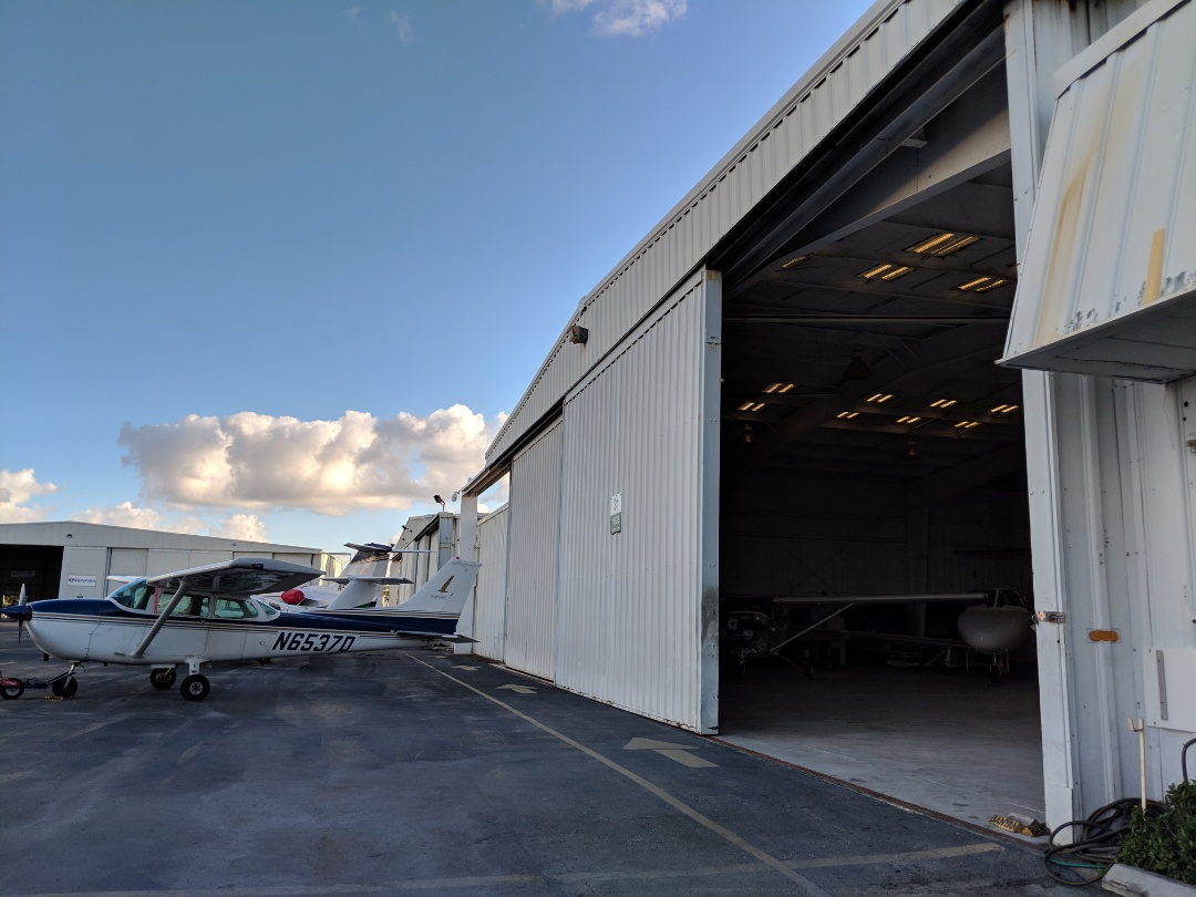 Fort Lauderdale, FL - New Challenges!! The Captain Painter! Hangars, Airplanes Painting!! Call us for commercial, industrial and Residential Painting Services, waterproofing systems and Drywall finishings (popcorn removal, repairs etc)
