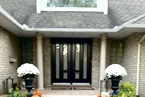 Ottawa, ON - Our inhouse installers fitted these BEAUTIFUL double doors by Fenplast in Carp recently. The doors are black on the outside, white on the inside and the sand blasted glass offers privacy while still letting the light into the house.