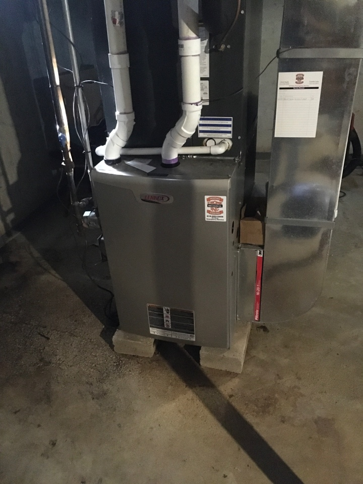 Rockford, MI - New Natural gas pipe hook up and furnace converted to natural gas.
