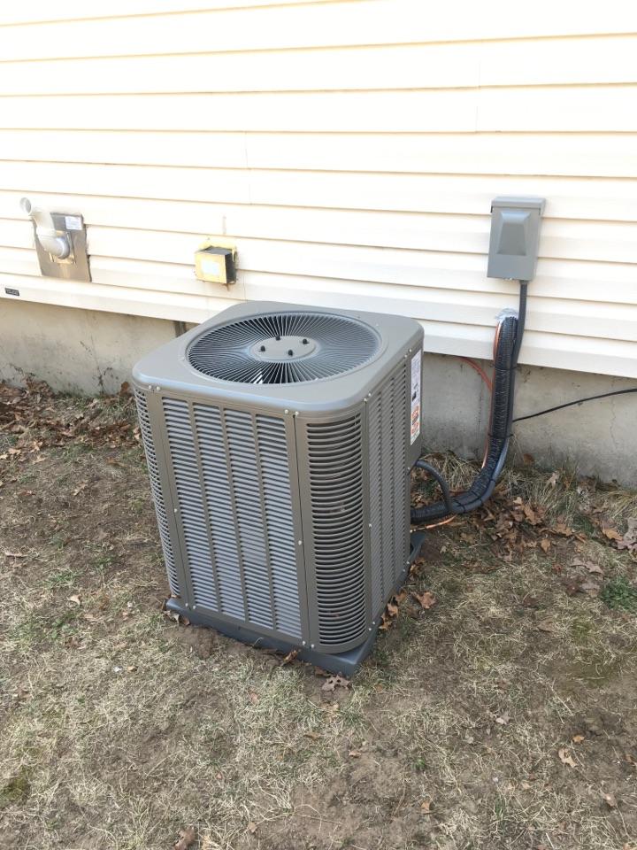 Howard City, MI - Lennox Air Conditioning Installation