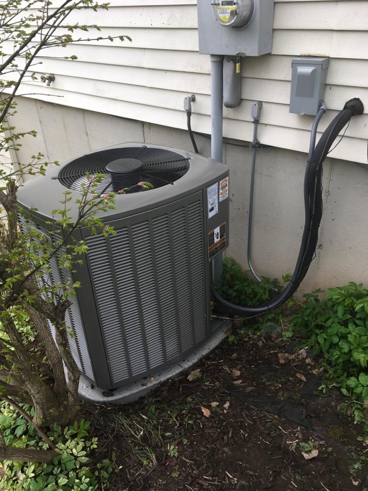Rockford, MI - Lennox Air Conditioning Install