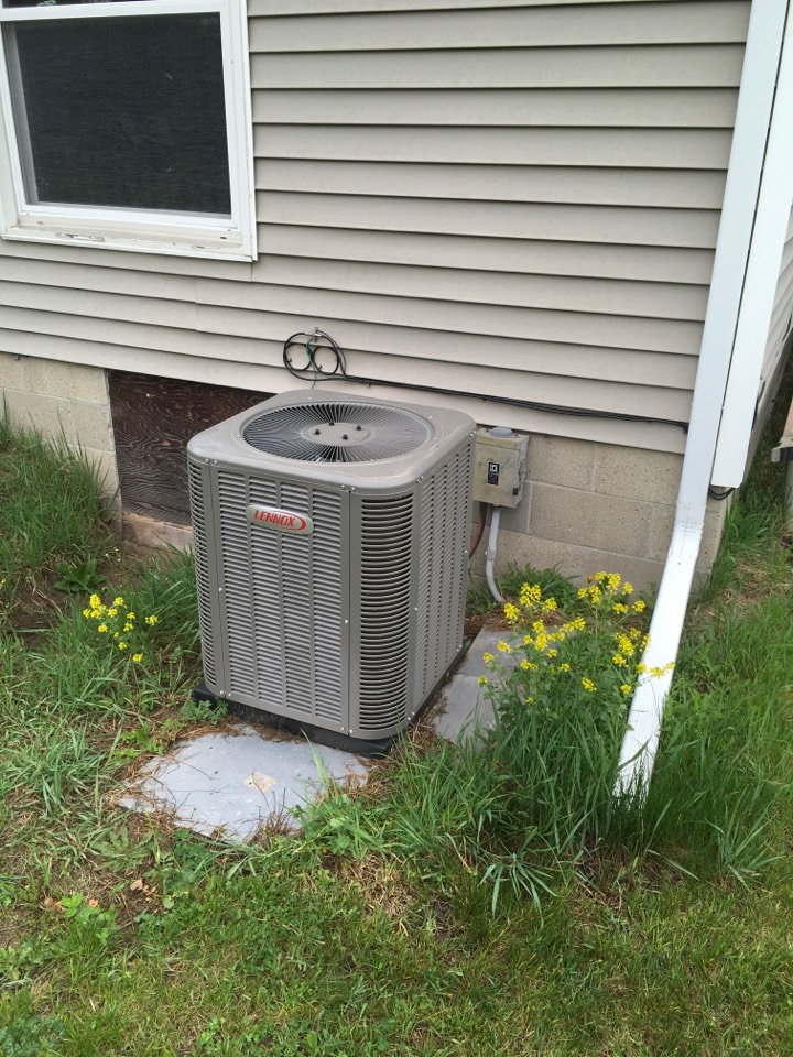 Cedar Springs, MI - Annual mobile home air conditioning maintenance.