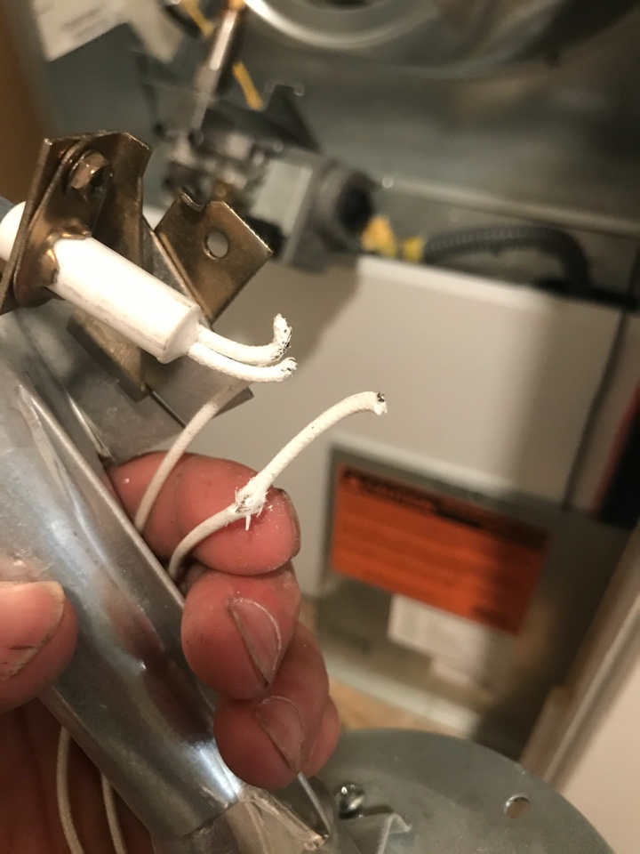 Pierson, MI - Burnt out ignitor in mobile home furnace.