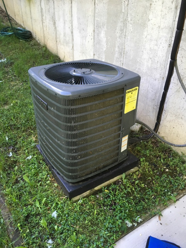 Ada, MI - Annual air conditioning maintenance with condenser cleaning.