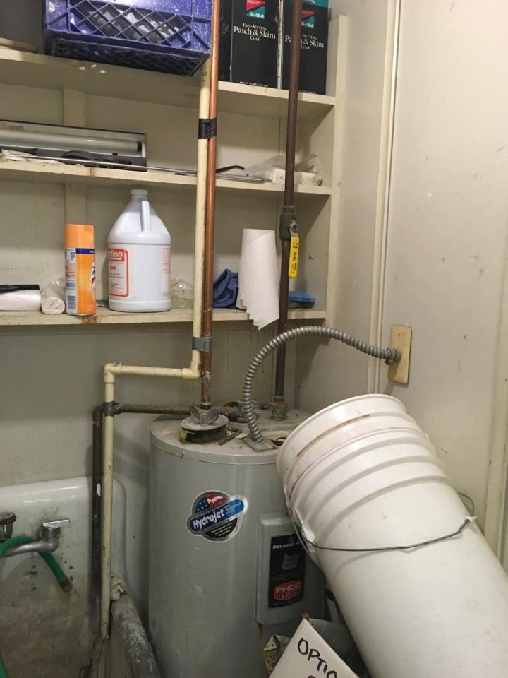 Grand Rapids, MI - Water heater tripping breaker.
