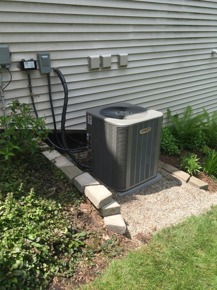 Grand Rapids, MI - New Lennox central air conditioning installed.