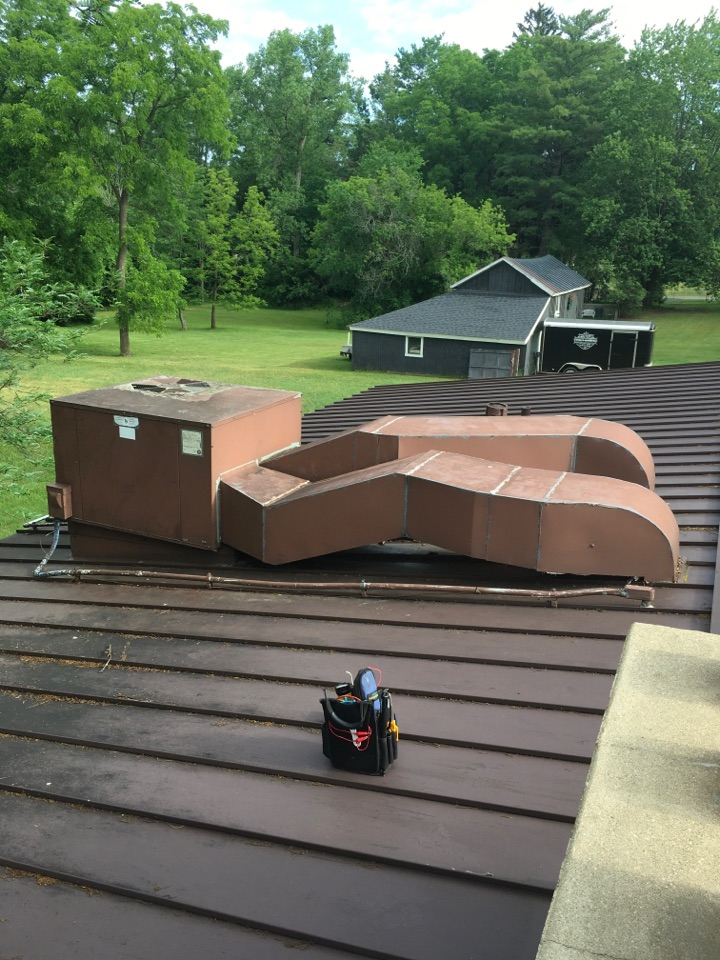 Cedar Springs, MI - Transformer and contactor replaced on cooling only roof top unit.