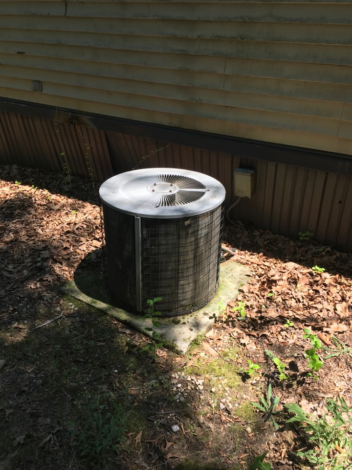 Sand Lake, MI - Air conditioning fan not coming on.