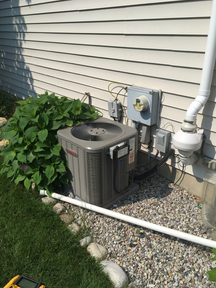 Grand Rapids, MI - Summer air conditioning check up.