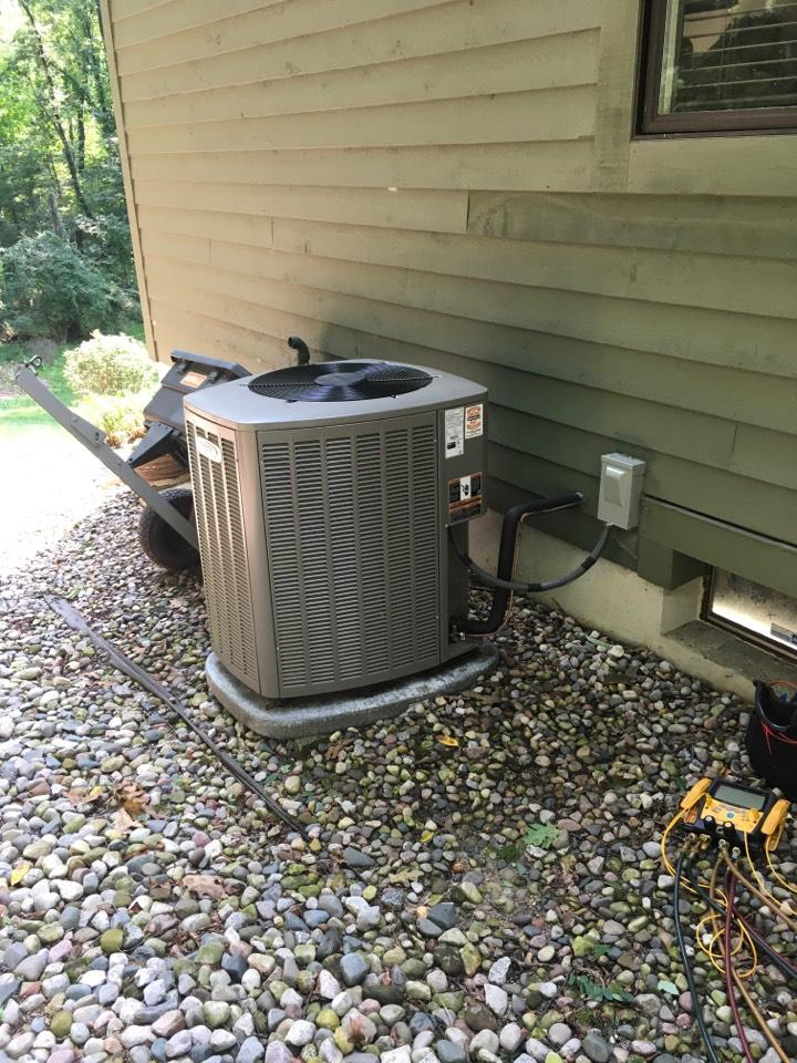 Grand Rapids, MI - Air conditioning tune up.