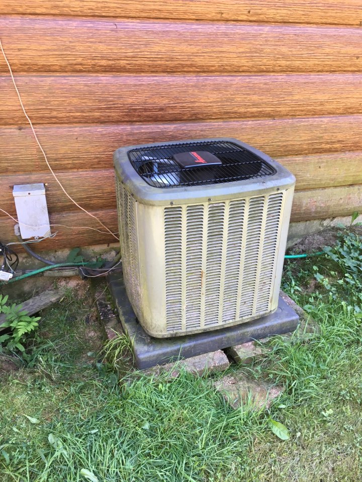 Howard City, MI - Air conditioning not coming on.
