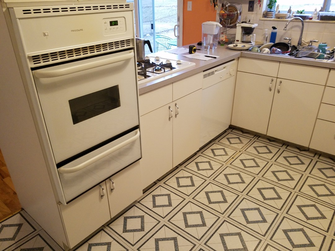 Maryland Heights, MO - Kitchen remodel granite countertops new cabinets and flooring