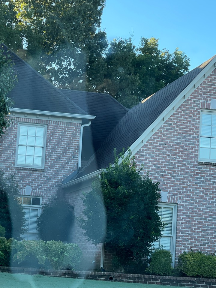 Collierville, TN - We are expecting a leaky roof this morning we will provide a photo report in a material list for the best products to resolve the link for our customer.