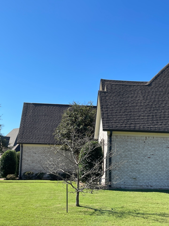 Collierville, TN - We are making an appointment to inspect roof for damage shingles. We provide inspections seven days a week. And provide free quotes.