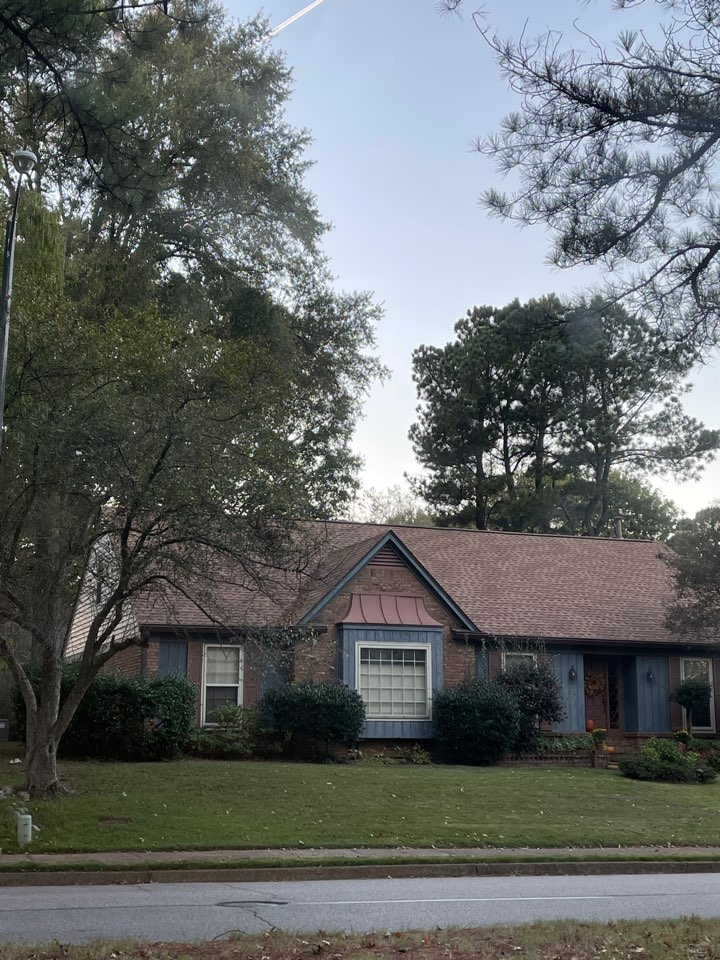 Memphis, TN - We have been called out to inspect the roof to be replaced. We are measuring the roof. And we will provide a free quote to the customer.